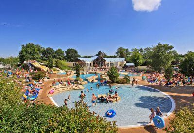 PARC DE FIERBOIS-Le parc aquatique du camping PARC DE FIERBOIS-SAINTE CATHERINE DE FIERBOIS