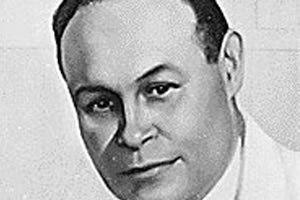 O Dr. Charles Richard Drew foi um médico e pesquisador norte-americano que fez pesquisas no campo das transfusões e armazenamento sanguíneo no início da Segunda Guerra Mundial. Charles Drew protestou contra a segregação racial na doação de sangue e deu contribuições que são usadas até os tempos atuais.