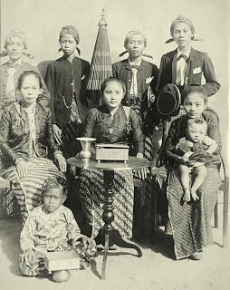 Antique and Classic Photographic indonesian Images