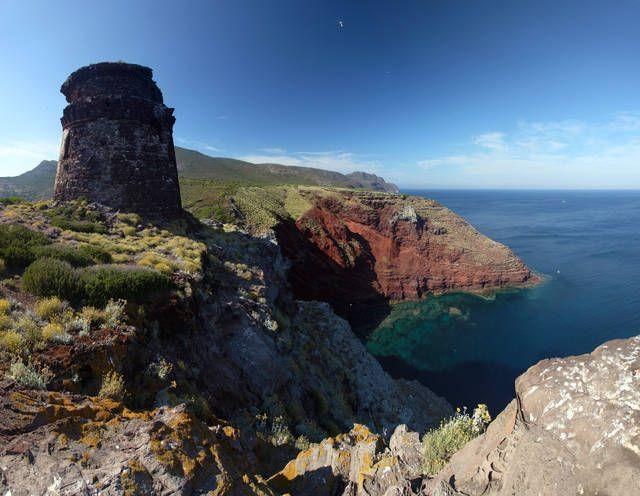 Spiagge più belle della Toscana: Isola di Capraia