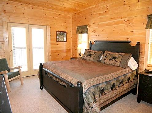 Bear Tracks 1 3 Bedroom 3 Bathroom Cabin Rental In