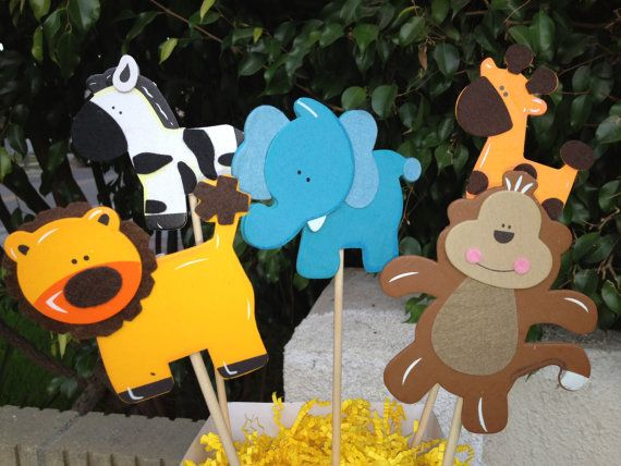Jungle animals are cute.: Baby Shower Decorations, Jungle Theme, Baby Shower Ideas, Theme Baby, Jungles Theme, Baby Shower Centerpieces, Freshbabyshowerfavors Com, Baby Shower Jungles, Ideas Baby Shower