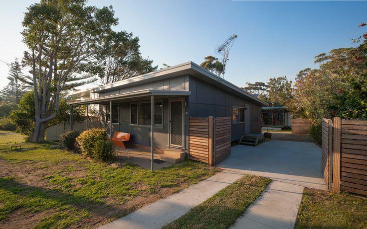 Original 1960s fibro beach house - rodney moss the mook house designboom