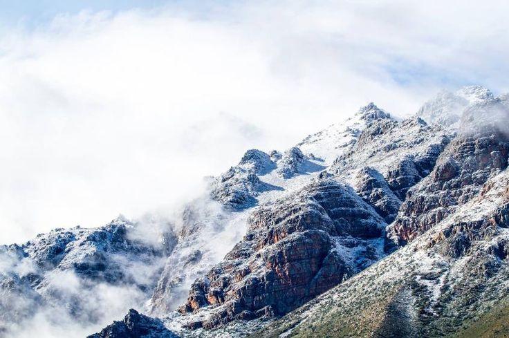 Todays news headlines - Expect snow on Table Mountain tonight | VAVAWOOM
