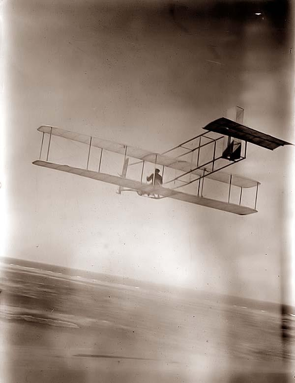 Early Wright Brothers Glider Flight