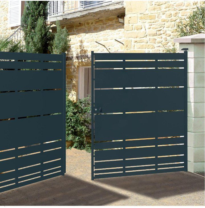 Portes de jardin en metal for Portillon de jardin metal vert