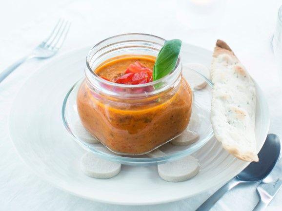 Mausteinen tomaattikeitto / Tomato soup / Kotiliesi.fi