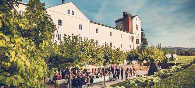 Brauerei Schloss Eggenberg - Altes Sudhaus - Top Hochzeits-Location Österreich #hochzeit #feiern #location #event #einzigartig #weiß #schwarz #heirat #österreich #special #wedding #unique #stunning #garden #love #hochzeitsfeier #salzburg