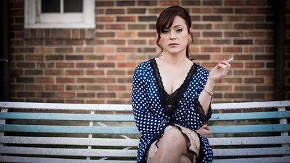 Ella Scott Lynch as Shirley Ryan