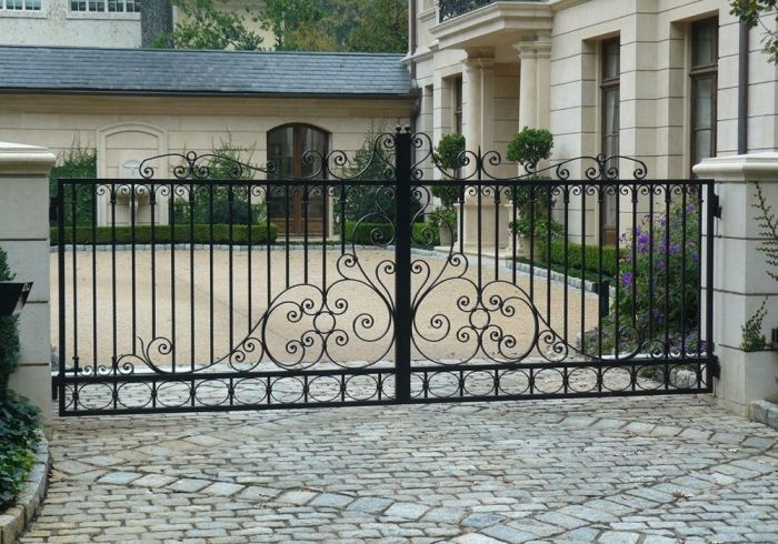 13 best images about fences and gates on pinterest for Luxury fences