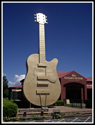 Big Things Tamworth Australia. The big guitar.