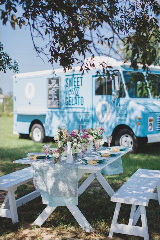 Outdoor Wedding Ideas - picnic food truck wedding reception @weddingchicks