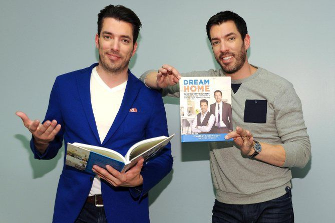 Property Brothers: Jonathan and Drew Scott's Cute Photos