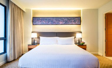 Make use of the last-minute deal, at Chatrium Residence Sathon Bangkok and receive a 25% discount along with benefits such as access to the fitness centre, sauna and Jacuzzi, easily an ideal Bangkok hotel promotion.