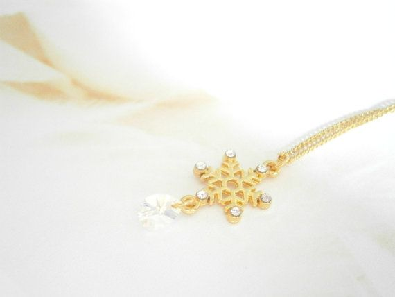 Gold Snowflake Necklace  Swarovski Crystal by GlamorousSparkle, €15.00