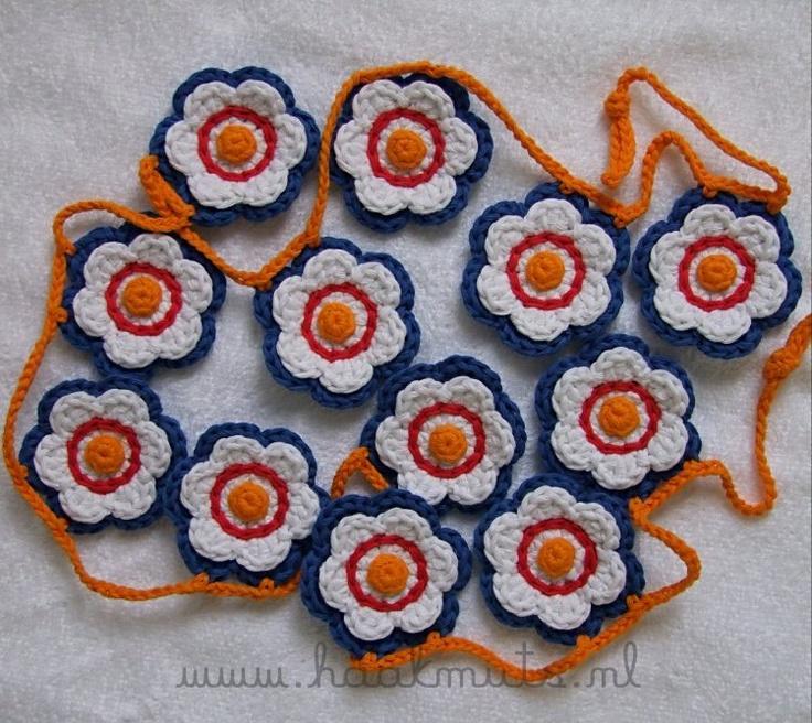 Bloemslinger  http://haakmuts.blogspot.com/