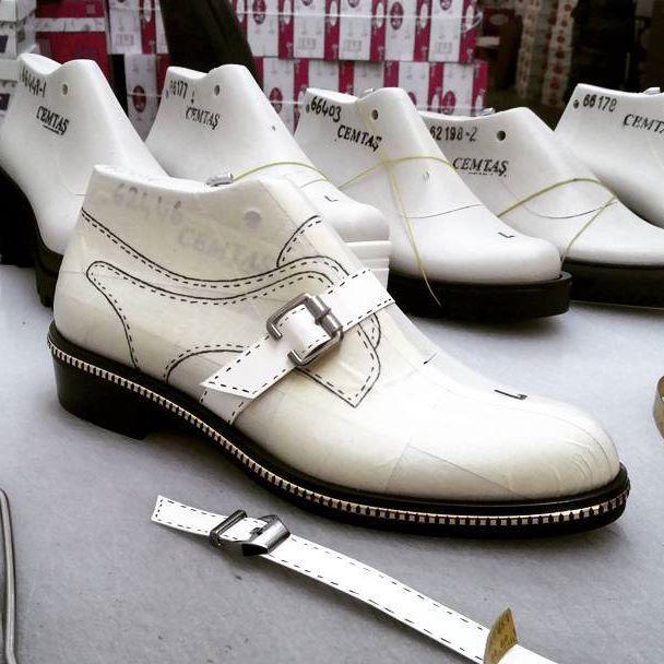 ✔  #shoedesing #shoemaster #shoemaker  #shoepattern #ayakkabi #istampa #handmade #shoes #leather #footweardesign #shoelast #upper #patternmaking #sitilettom #sole #sneakers #stiletto #shoemaking