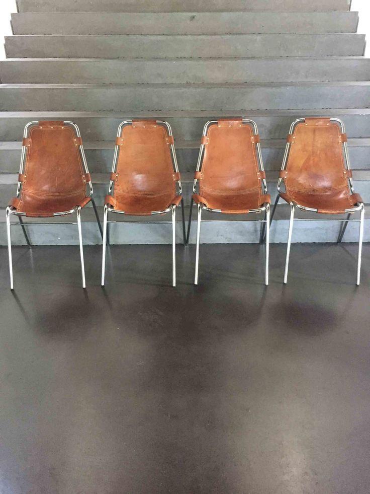 Weer vier Charlotte Perriand stoelen kunnen inkopen. Wordt steeds moeilijker. Geweldige sfeer en te koop bij www.lovt.nl/