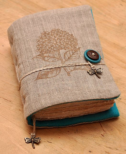 Wow, just look at this amazing Hydrangea notebook by dotukas (Dorel), via Flickr. #HeroArts
