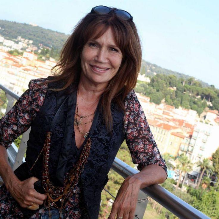 PHOTOS - Exclusif - Clémentine Célarié à l'hôtel Aston à Nice, le 1er août 2014