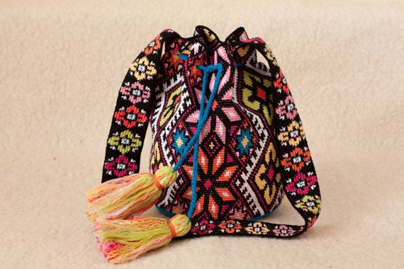 Crocheted Large multicolor Mochila wayuu от SchastlyvaTorba