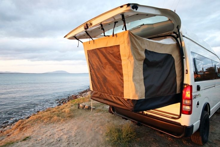 Land Cruiser 4×4-equipped Toyota camper van grows with pop-out tent