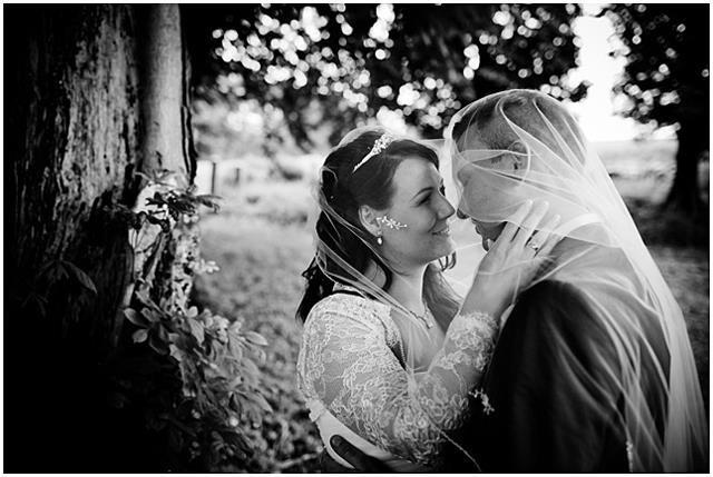 Bryllupsfoto ved Lykkesholm Slot www.voresstoredag.net