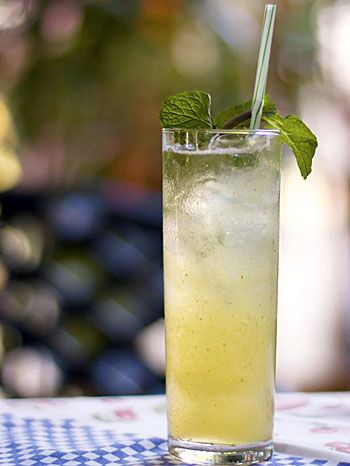 Happy Hour Happens: Mojitos: Entertaining, Classic Cocktails, Summer Drink, Cocktail Recipes, Classic Mojito, Mojito Recipe, Drink Cocktail Hour