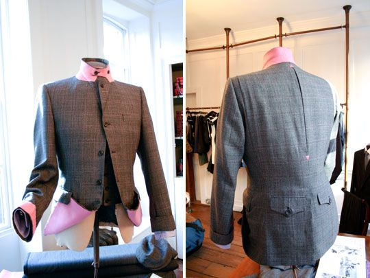 This bespoke tailored Rapha jacket is a collaboration with Timothy Everest. A nice blend of technical innovation (material is 100% wool and repels water and dirt) with Savile Row tailoring. With lots of smartly functional details specific for cycling.
