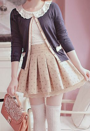 Casual, skirt would need to be longer to be lolita though...
