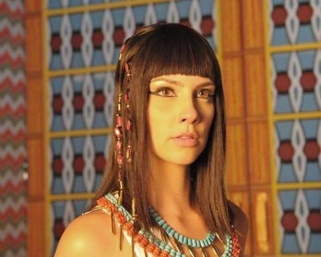 Camila Rodrigues dá dicas para adaptar joias antigas ao dia a dia