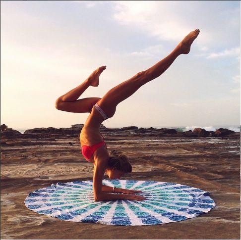 yoga inspo  sjana elise earp bikinigirl  advanced yoga