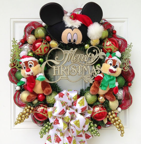 Disneyland Decorated For Christmas: Chip And Dale Christmas Wreath