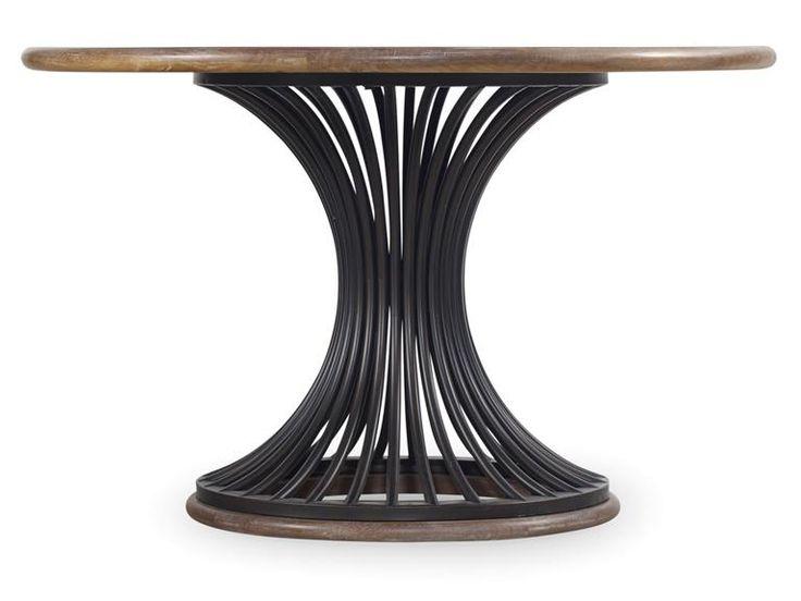 Прекрасный обеденный стол с очаровательной деревянной столешницей, в светлой отделке. Модель изготовлена из твердой породы дерева с применением шпона и металла.             Метки: Деревянные столы, Круглый стол, Кухонный овальный стол, Кухонный стол.              Материал: Металл, Дерево.              Бренд: Hooker Furniture.              Стили: Арт-деко, Классика и неоклассика.              Цвета: Коричневый.