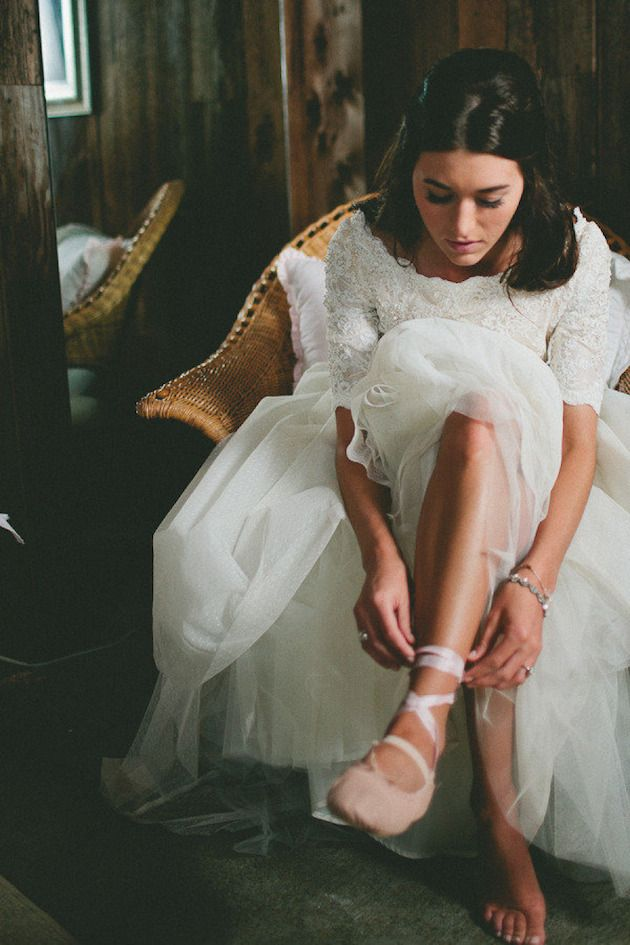 This ballerina bride wore ballet slippers on her big day! I live in my ballet shoes. Might do this with Darcy too