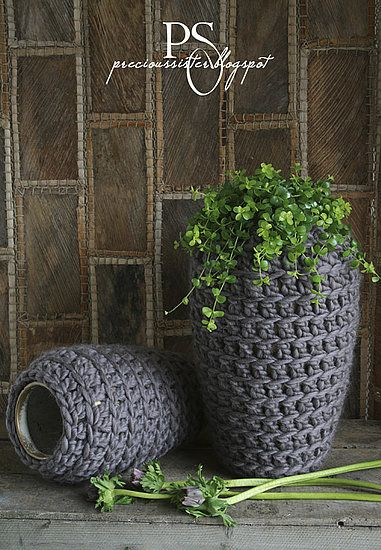 Crocheted vases (from house of Anais blog)
