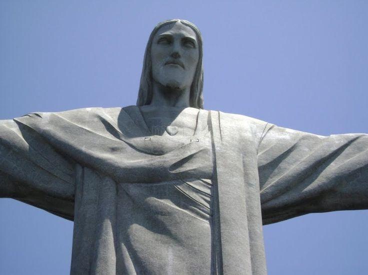 Best Cristo Corcovado Ideas On Pinterest Cristo Redentor De - Guy takes epic selfie top christ redeemer statue brazil