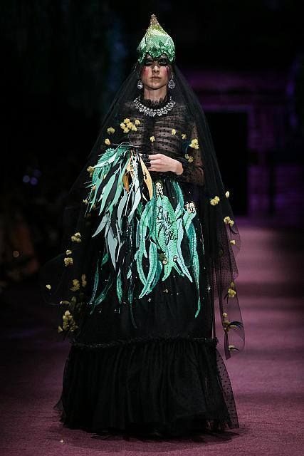 Snugglepot and Cuddlepie Dominate the Runway for Romance Was Born's VAMFF Runway - theFashionSpot