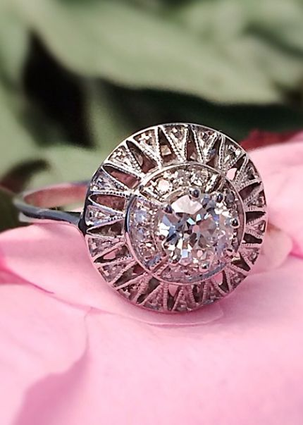 Art Deco Diamond Ring, that is beautiful!!