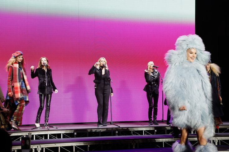 Group Bananarama : Keren Woodward, Sara Dallin and Siobhan Fahey perform at the end of the Sonia Rykiel show as part of the Paris Fashion Week Womenswear Fall/Winter 2018/2019 on March 3, 2018 in Paris, France.
