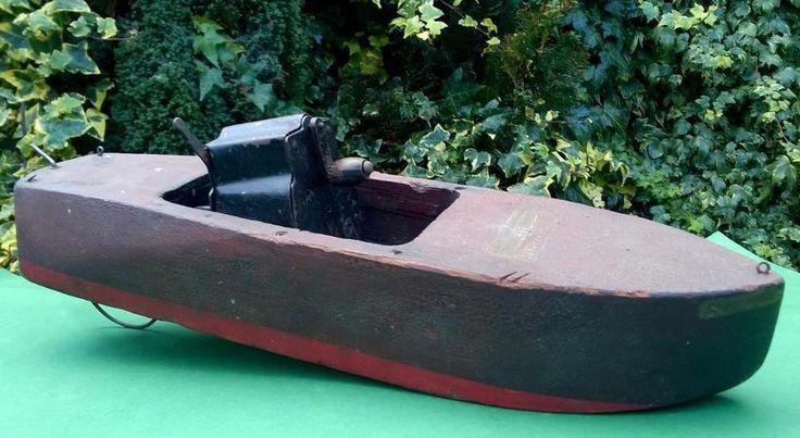 VIDEO 1920s Seaworthy 'Flying Yankee 65' clockwork boat 21 inches kellner bing
