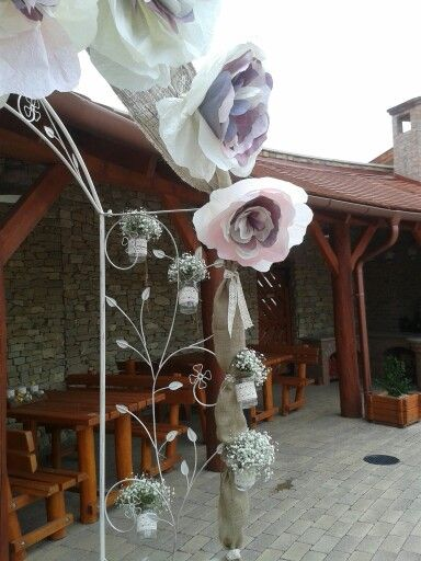 Virágos kapu Judittal