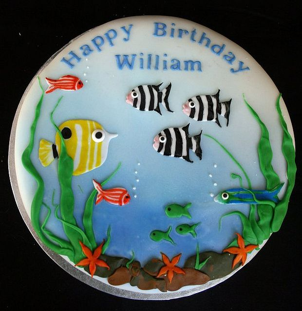 Williams aquarium birthday cake flickr photo sharing for Fish tank cake designs