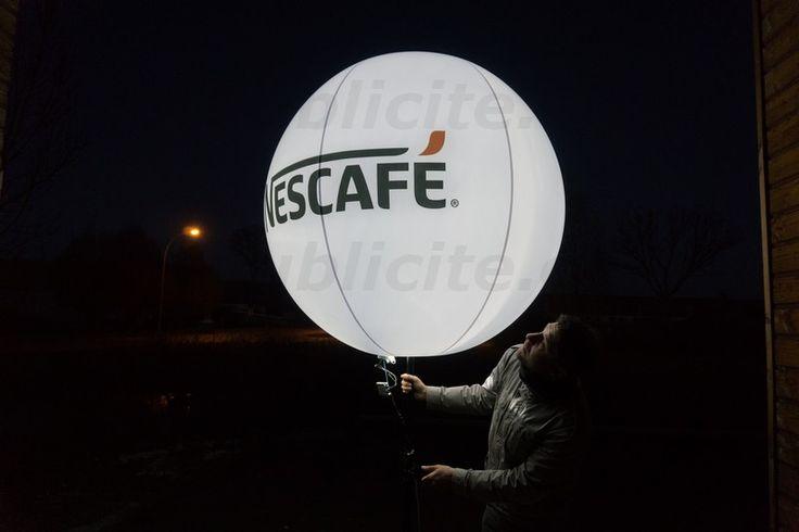 """1 ballon promotionnel géant sur trépied Nescafé   Soirée """"Yacht de Paris"""""""