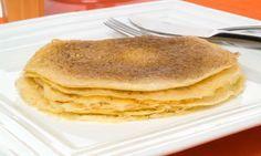 Receta de crepes para celíacos. Los celíacos también pueden comer unos buenos crepes. Basta con sustituir la harina de trigo por la de arroz o la de maíz.