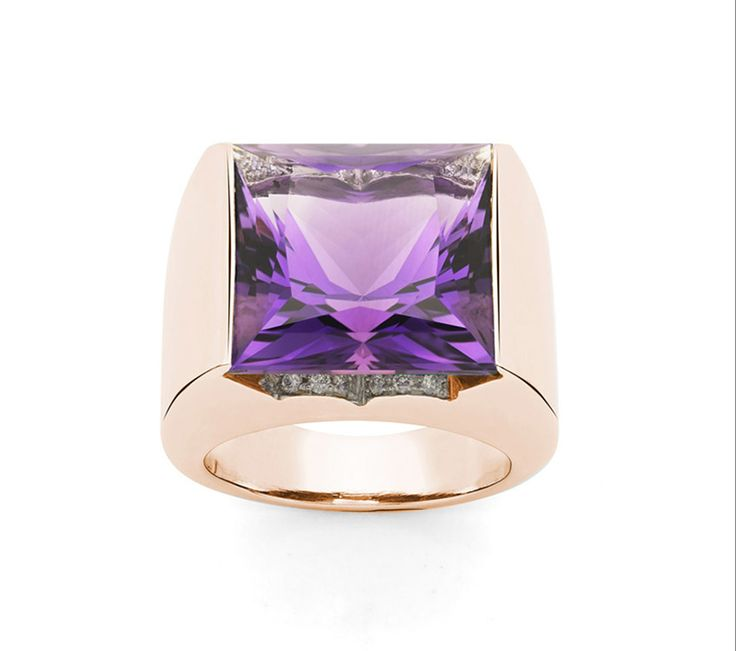 The CARRE' RING, The ring has a great visual impact, and is meant to surprise. Handmade in rose gold 18 K, with 1 amethyst and diamonds. Photo Ansuini since 1860