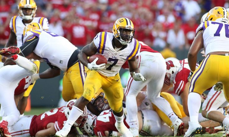 LSU's Les Miles declines comment on Leonard Fournette practicing = Amidst injury concerns to his star running back Leonard Fournette, LSU head coach Les Miles declined to answer whether or not his Heisman Trophy candidate had practiced Wednesday. Fournette had.....