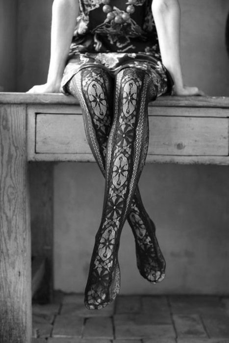 patterned tights!