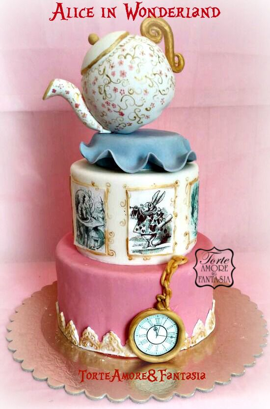 #tortedecorate #castelliromani #Laboratoriotorte #weddingcake #cake #torte #genzano #eventi www.torteamorefantasia.com