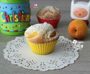 Ottimi e deliziosi questi muffin all'albicocca sofficissimi , hanno un profumo unico di vaniglia e albicocca che vi invaderà tutta la cucina !